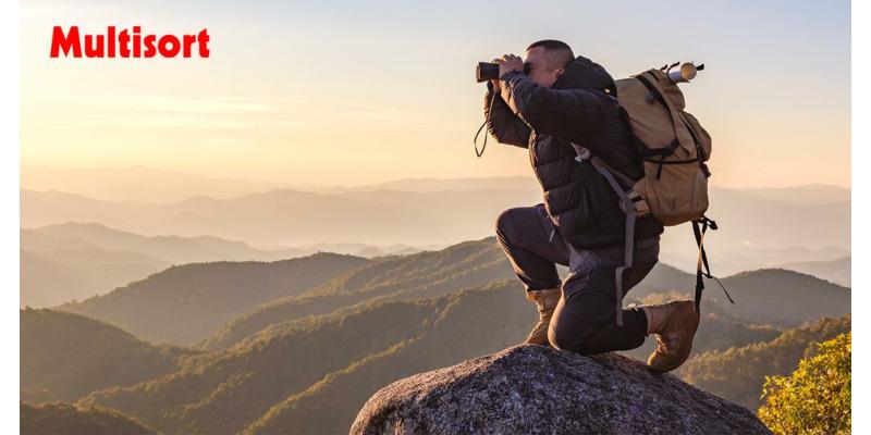 Lornetka turystyczna - jaką wybrać? Lornetki godne polecenia